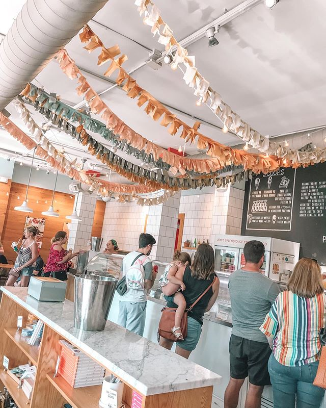 I scream, you scream, we all scream for .... 🍦 what better treat on a hot Southern day?! • • Jeni's hosts gluten free AND dairy free options for their guests and everything is clearly labeled! No second guessing here what's what; and even better perk - you have fun flavor options like peanut butter & jelly, frosé, and ooey gooey butter cake! 🍨 • • If you're in Nashville (or one of the other numerous states she's now located in) you have to stop on in! #glutenfree and #dairyfree for the win 🍧