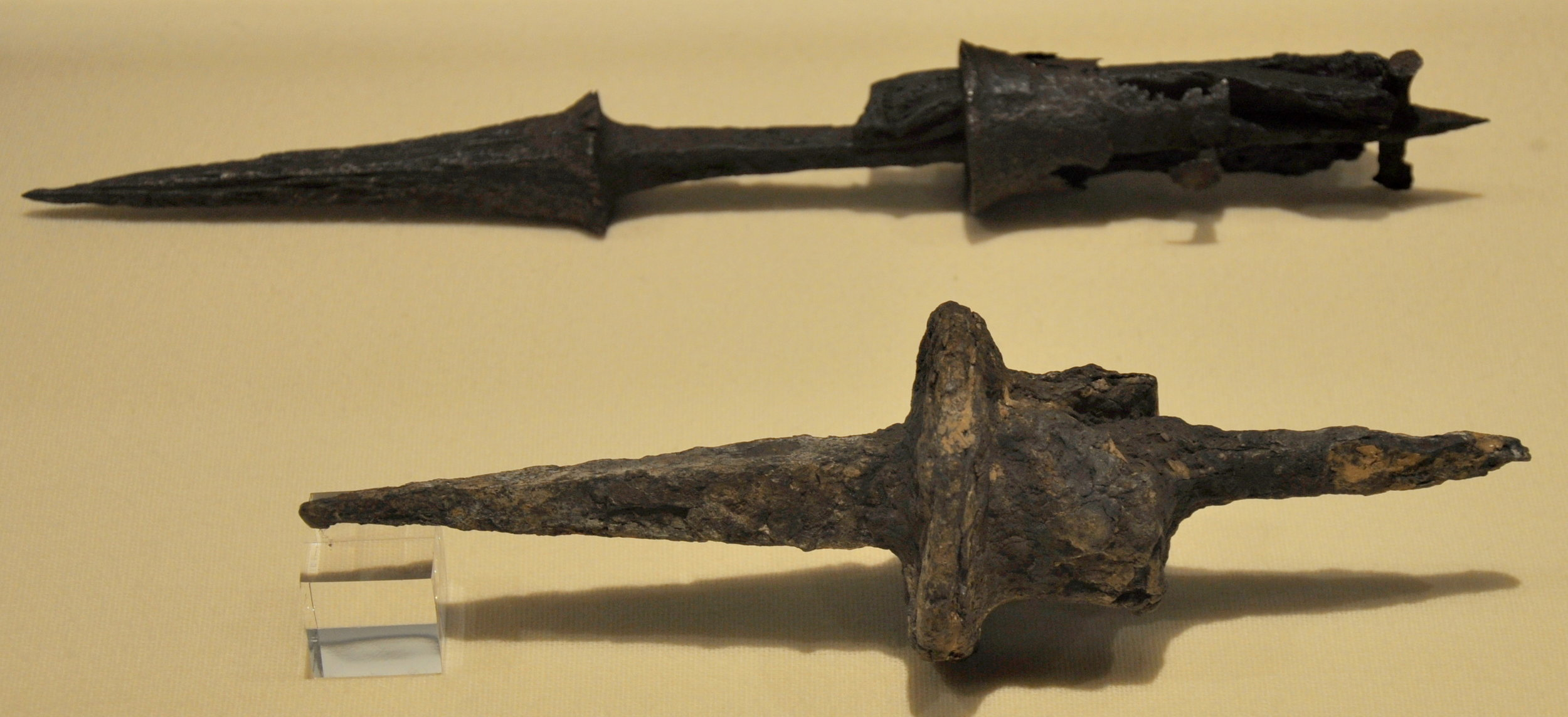 Remains of Goedendags from 1302 found in Kortrijk. Photo by Paul Hermans