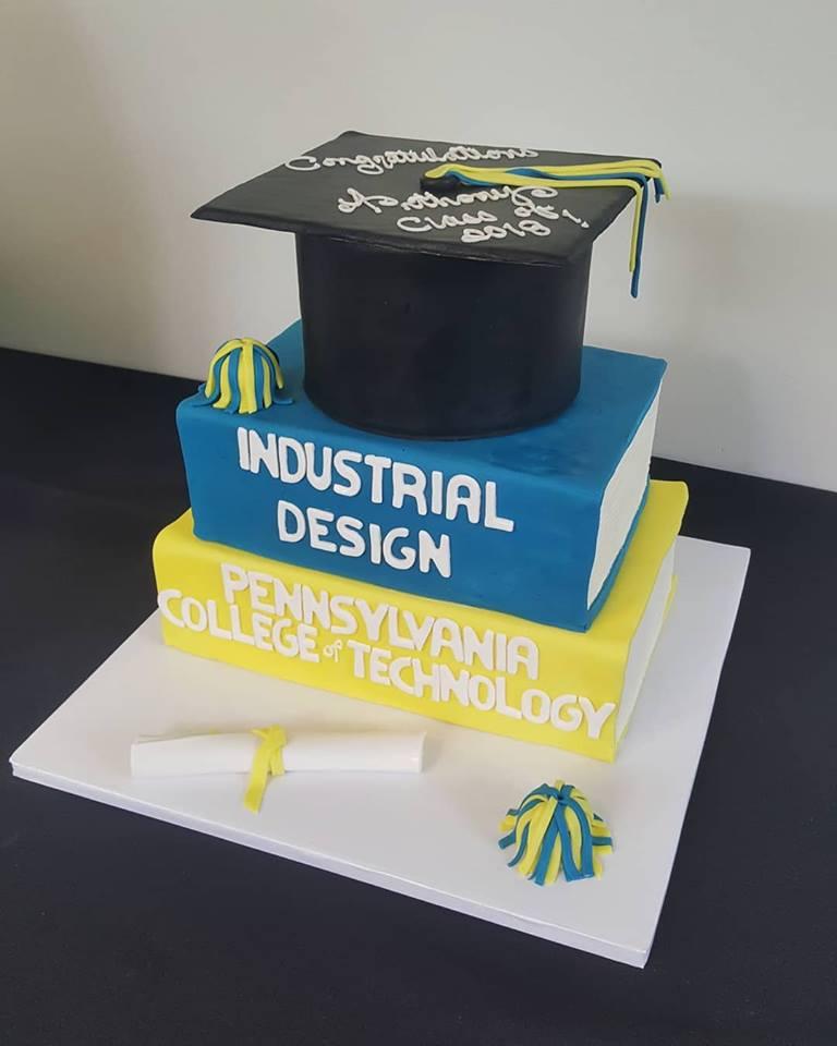 grad cake.jpg