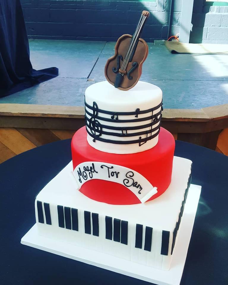 music cake.jpg