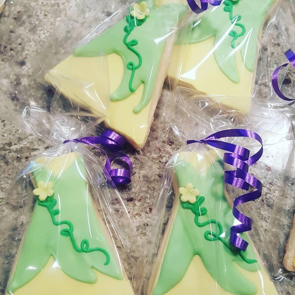 dress cookies.jpg