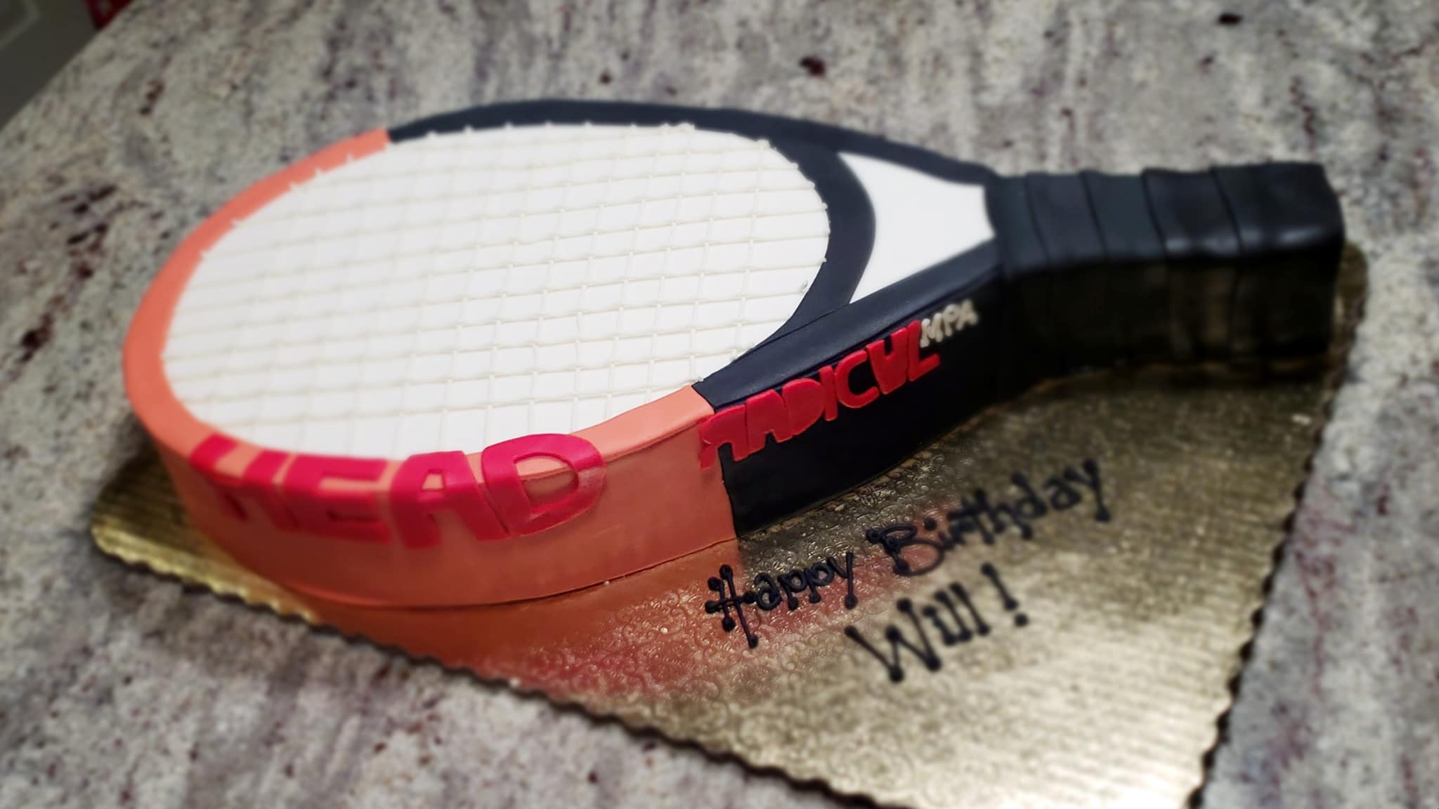 tennis racket.jpg