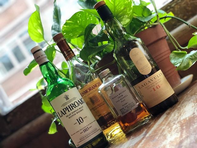 Hi Wednesday, meet team whisky... - #shoreditch #eastlondon #HorseAndGroom #pub #pubs #bar #beer #drinks #drinkup #ukpubs #craftbeer #realale #pubsigns #thirsty #beerlover #beermoney #chefmode #onmytable #pizza 
