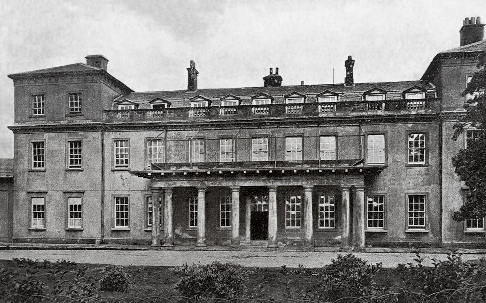 Sandwell Hall circa 1920.jpg