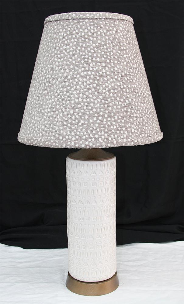 White ceramic lamp SM.JPG
