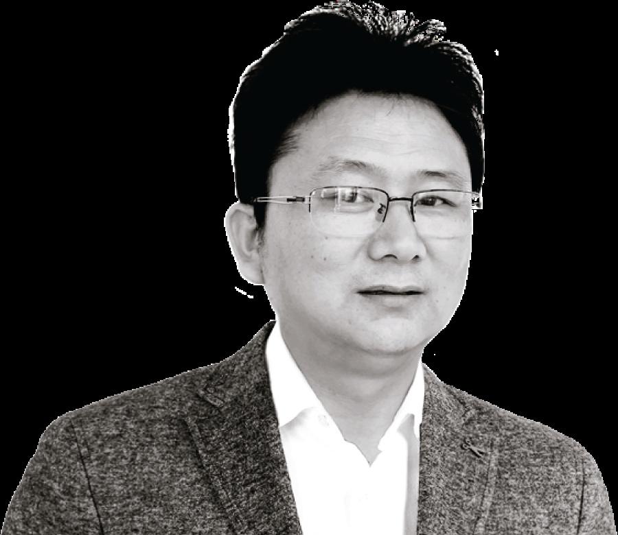 Thomas Feng, COO
