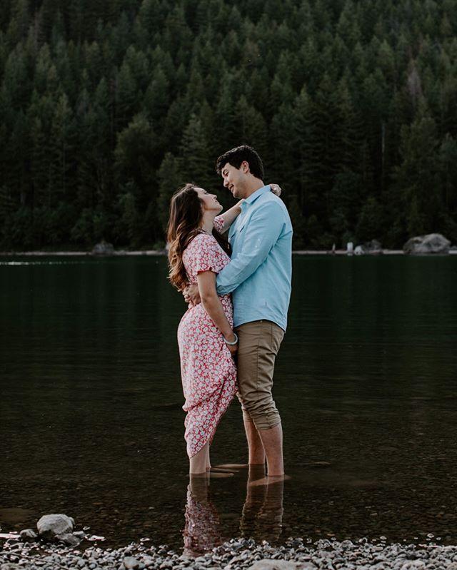 How many pictures at rattlesnake is too many pictures at rattlesnake? Asking for a friend. •⠀⠀⠀⠀⠀⠀⠀⠀⠀ •⠀⠀⠀⠀⠀⠀⠀⠀⠀ •⠀⠀⠀⠀⠀⠀⠀⠀⠀ #firstsandlasts #belovedstories #loveandwildhearts #blossomingbride #DIRTYBOOTSANDMESSYHAIR #pnwedding #weddinglegends #AUTHENTICLOVEMAG #wedventuremag #RADSTORYTELLERS #adventurouslovestories #untamedlovestories #wedphotoinspiration #junebugweddings #epicloveepiclife #WILDLOVEADVENTURES #deepintimatelovers #washingtonweddingphotographer #seattleweddingphotographer #seattlewedding #weddingphotographer #engagementphotography