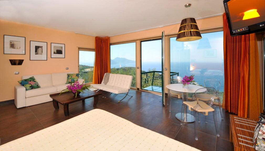 amalfi coast yoga retreat villa luxury16 (1).jpg