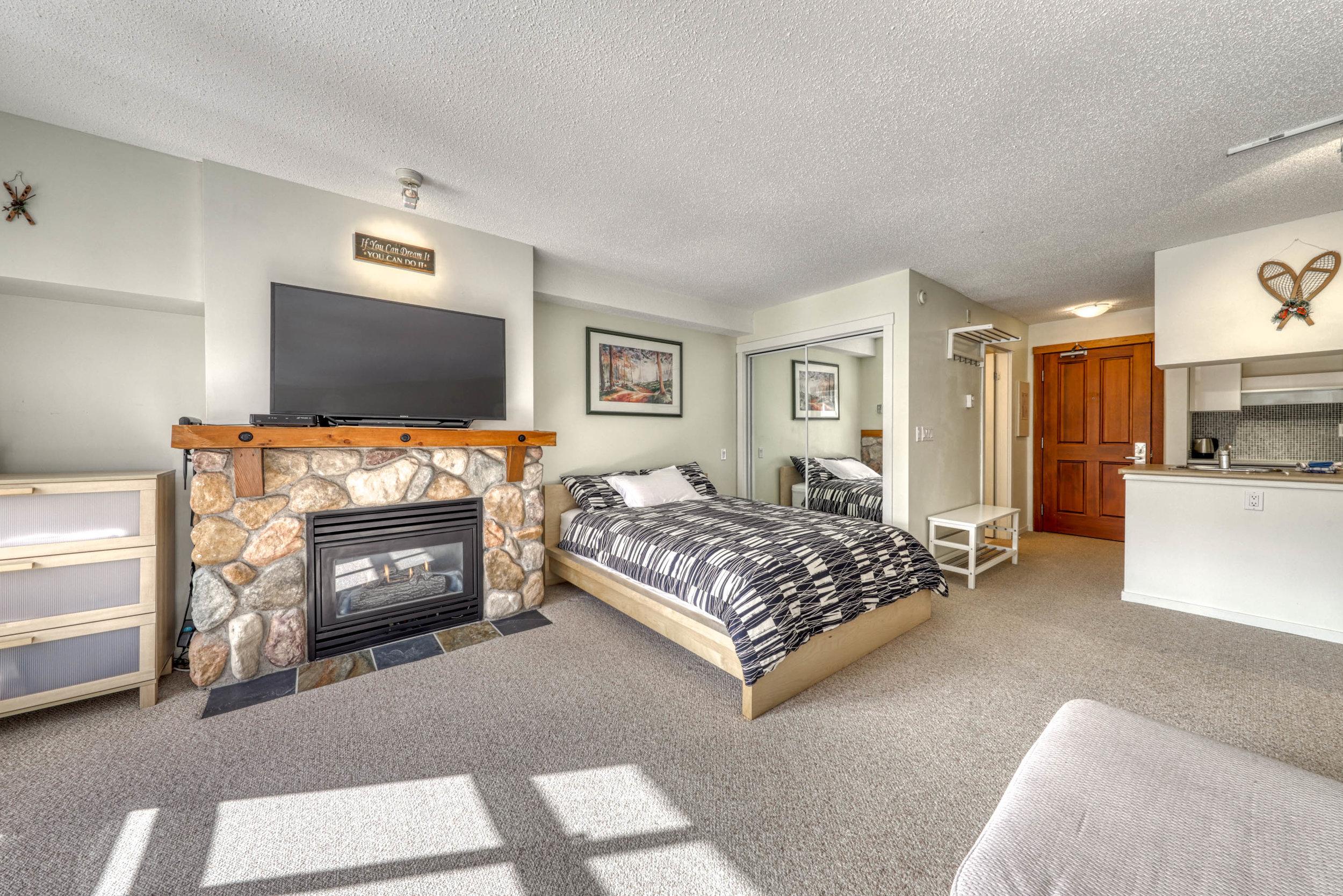 423 Fireside Lodge-6.jpg