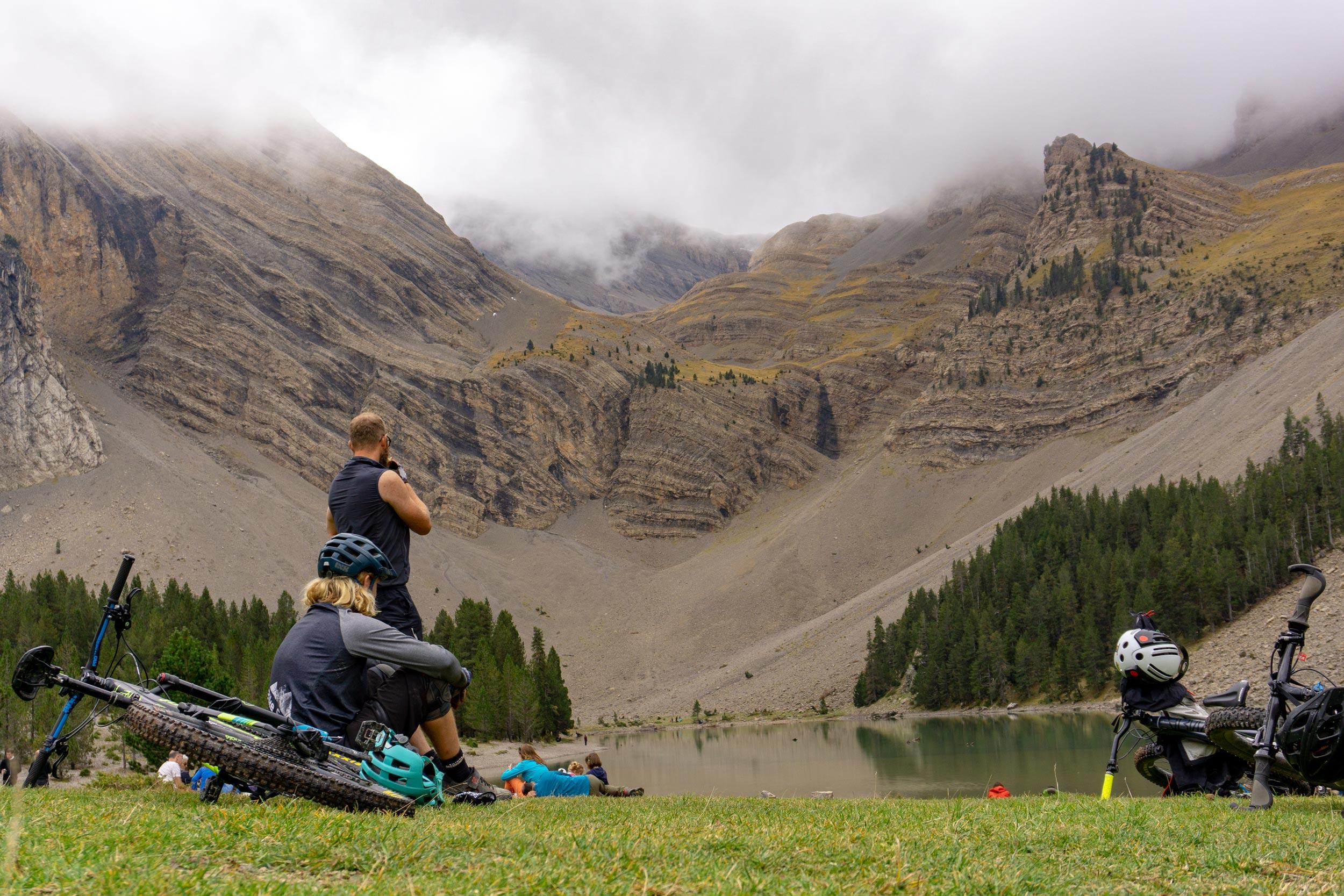 unbeaten-adventures-mountain-biking-pyrenees-zona-zero-ainsa-ibon-de-plan-wouter-jeroen. jpg