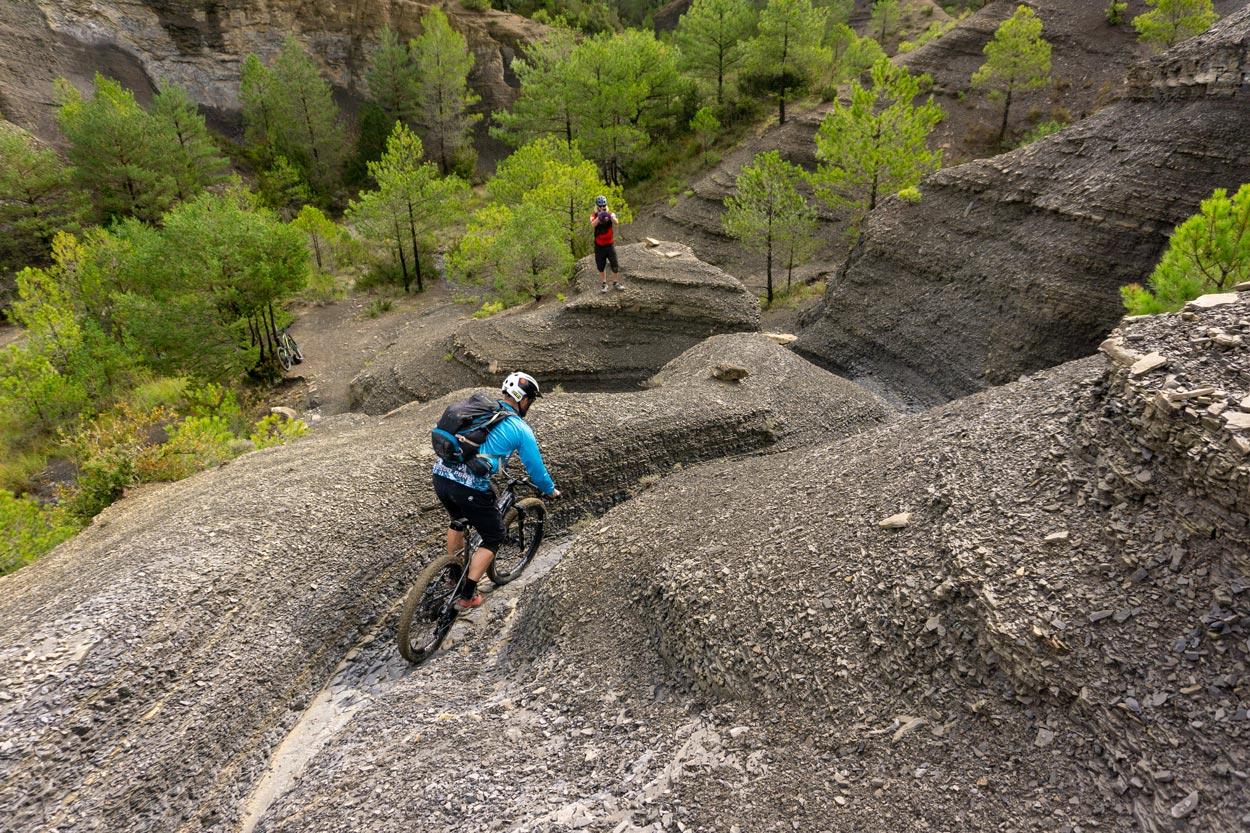 unbeaten-adventures-mountain-biking-pyrenees-zona-zero-ainsa-bobsled-wouter-jeroen. jpg