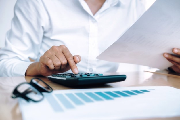 finances-saving-economy-concept-female-accountant-banker-use-calculator_1421-92.jpg