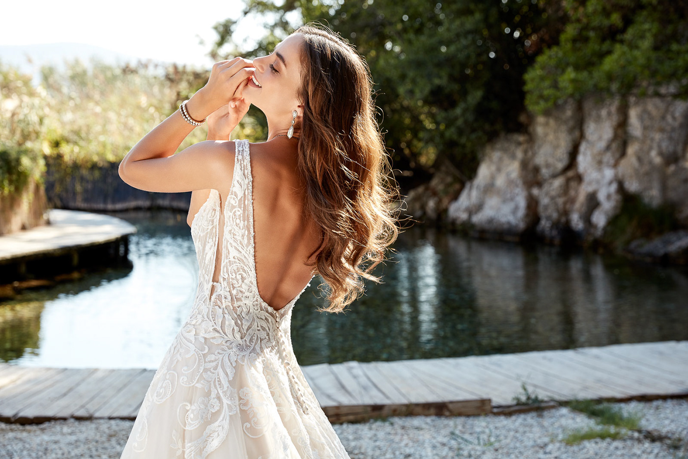 The Timeless & Contemporary Bride -
