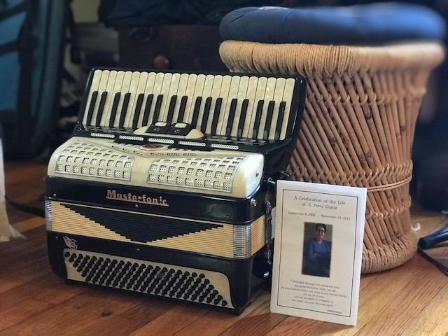 Peris accordion.jpg