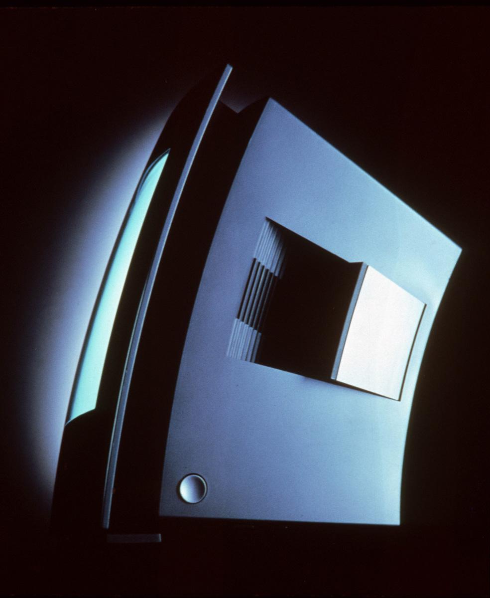 Design-by-F.A.Porsche_Grundig-2..jpg