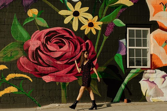 🎶 Making my way downtown... . . . . .  #makeportraits #vscoportrait #ig_mood #discoverportrait #portraitphotography #profile_vision #bleachmyfilm #postmoreportraits #portraitpage #igpodium_portraits  #landscapelovers #unitedstatesofamerica #igersusa #canonphotos #canoneos #focalmarked #nashvillephotographer #nashville #seniorsession #seniorportraits #cookevillephotographer