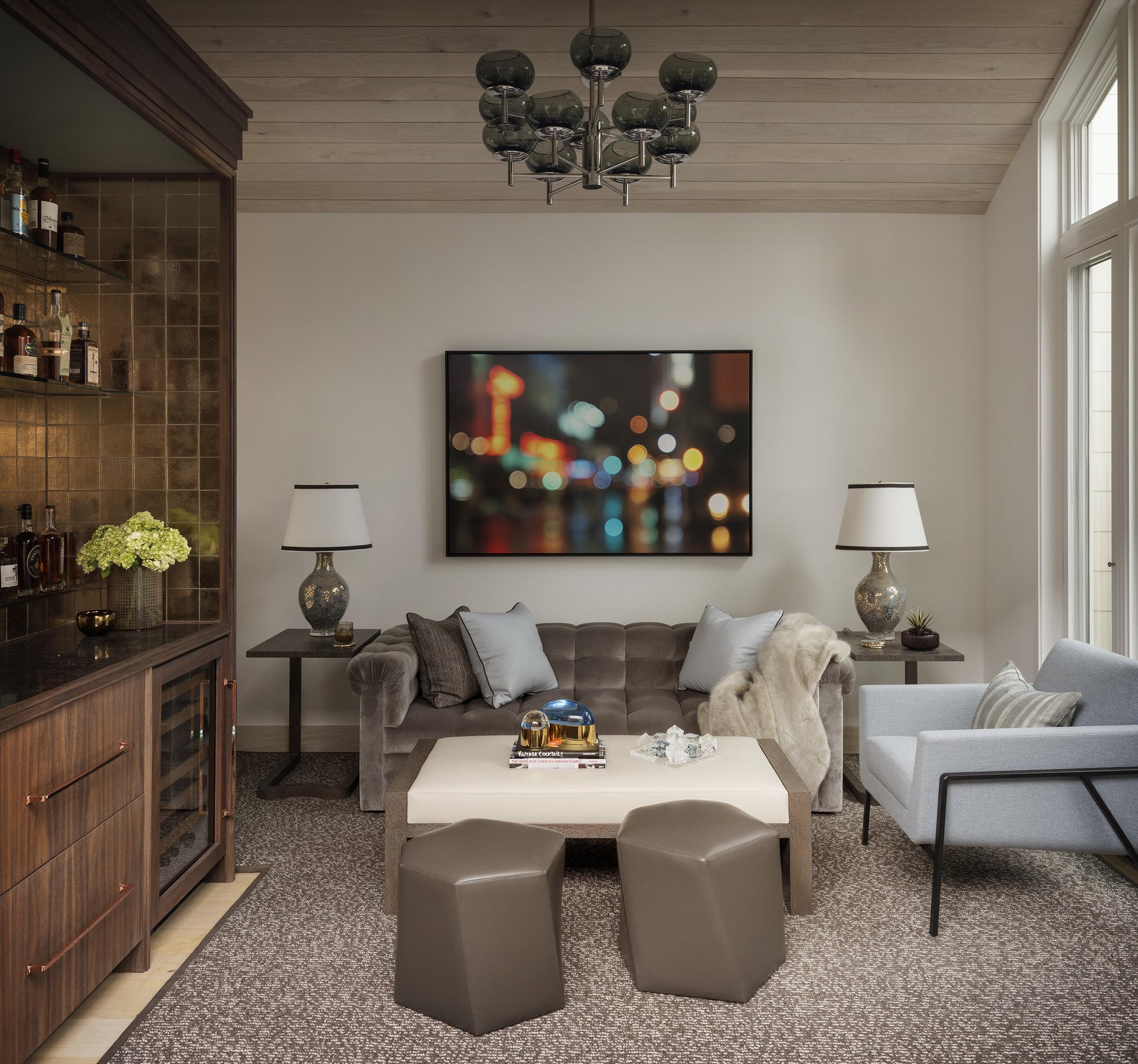 10-lounge1- small.jpg