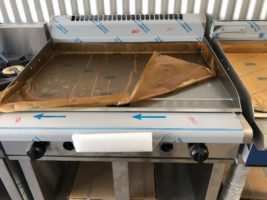 Waldorf GP8900G Gas Griddle – New   $4,500.00 + GST   Gas LPG or Nat Gas – Dedicated Griddle 20mm Thick Plate – Full Cabinet Base  Dimensions : 900W x 815D x 1050H