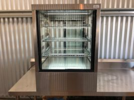 Festive Ambient Devon Display Cabinet DA6 – Used/Near New   $2,250.00 + GST   10 Amp – Countertop – Front & Rear Doors  Dimensions : 600W x 640D x 830H