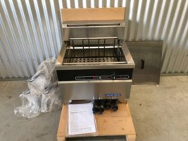 Blue Seal E603 Electric 3 Basket Fryer – Used/Near New   $2,500.00 + GST   Free Standing – Not on Legs In Photo – 3 Basket Fryer – 30 Litre Oil Capacity  Dimensions : 600w x 585D x 1030H