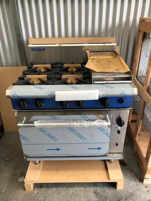 Blue Seal G56C Gas Range - Convection Oven - NEW   $7,300.00 + GST   6 Burner Gas Range, Gas Convection Oven, 4 x Open Burners, 300mm Griddle  Dimensions : 900W x 815D x 1050H