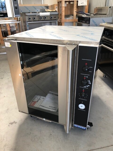 Turbofan Prover P8M - New Ex Display   $3,965.00 + GST   8 x 460 x 660 Bun Pan Capacity, Manual Control, Castors - Can be stacked with E32D4 Turbofan Oven  Dimension: 735W x 810D x 914H
