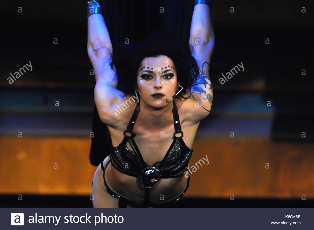 anya-sapozhnikova-cast-during-a-performance-of-caligula-maximus-inside-K60M8E.jpg