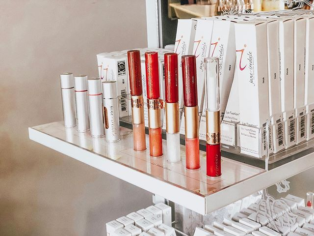 Makeover your #Monday with @janeiredale 💄✨