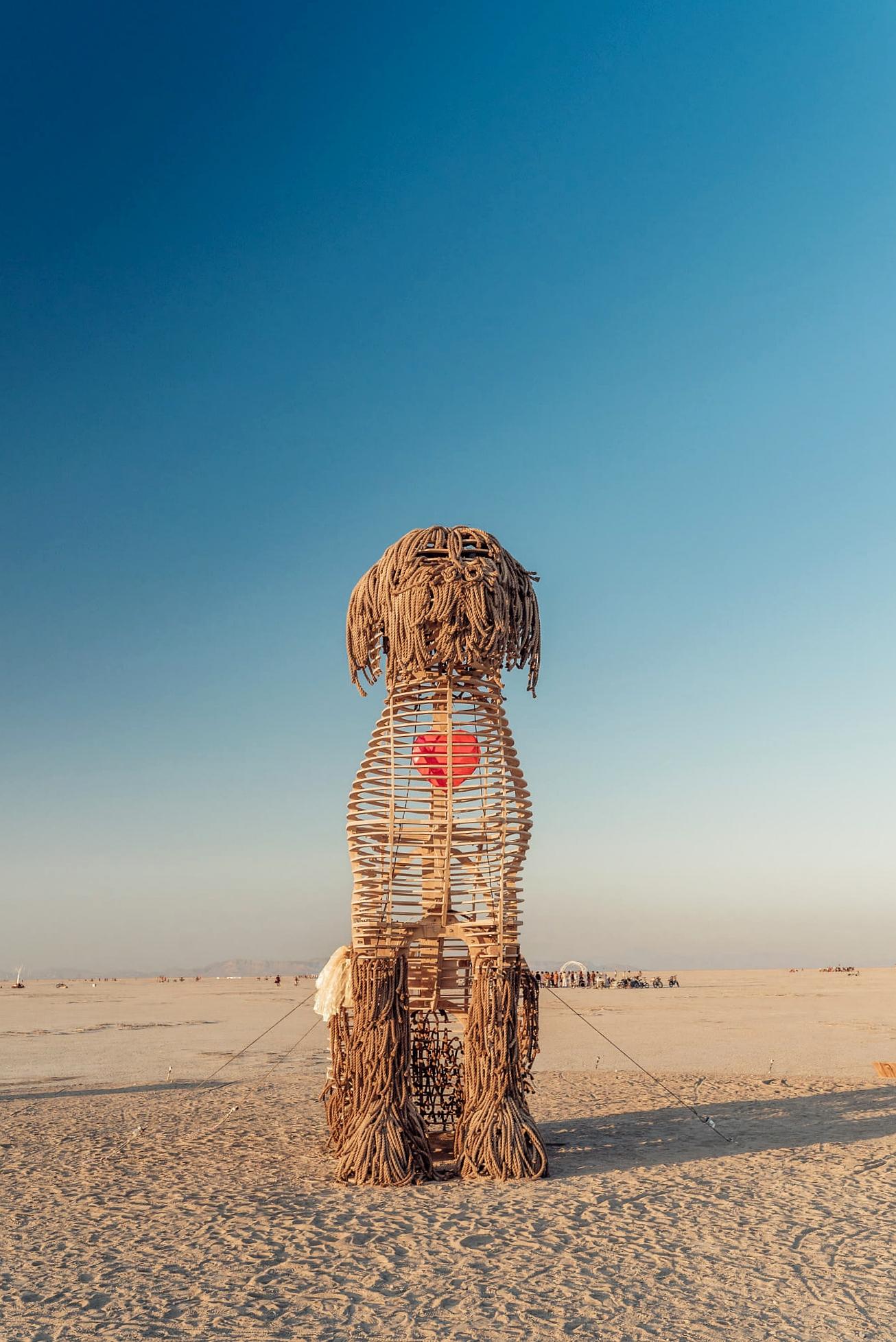 dog+sculpture+burning+man+2018.jpg