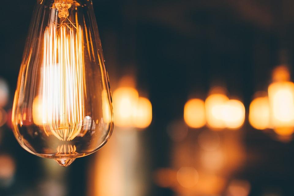 Photo: https://pixabay.com/en/light-bulb-hanging-lighting-1030988/
