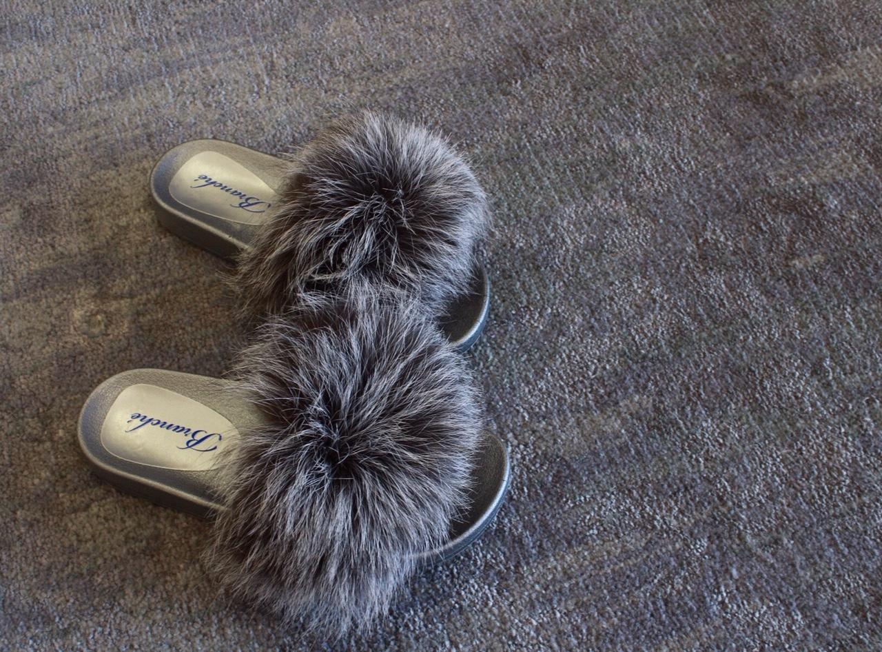 slippers 2.jpg