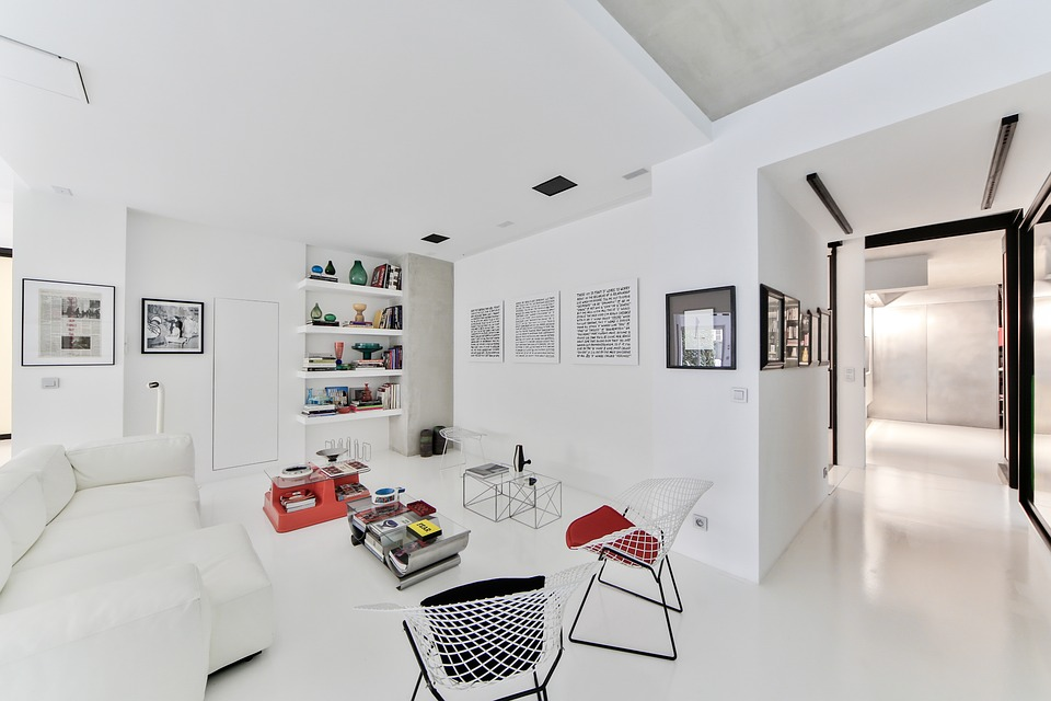 Photo: https://pixabay.com/photos/stay-scandinavian-style-white-room-2132344/