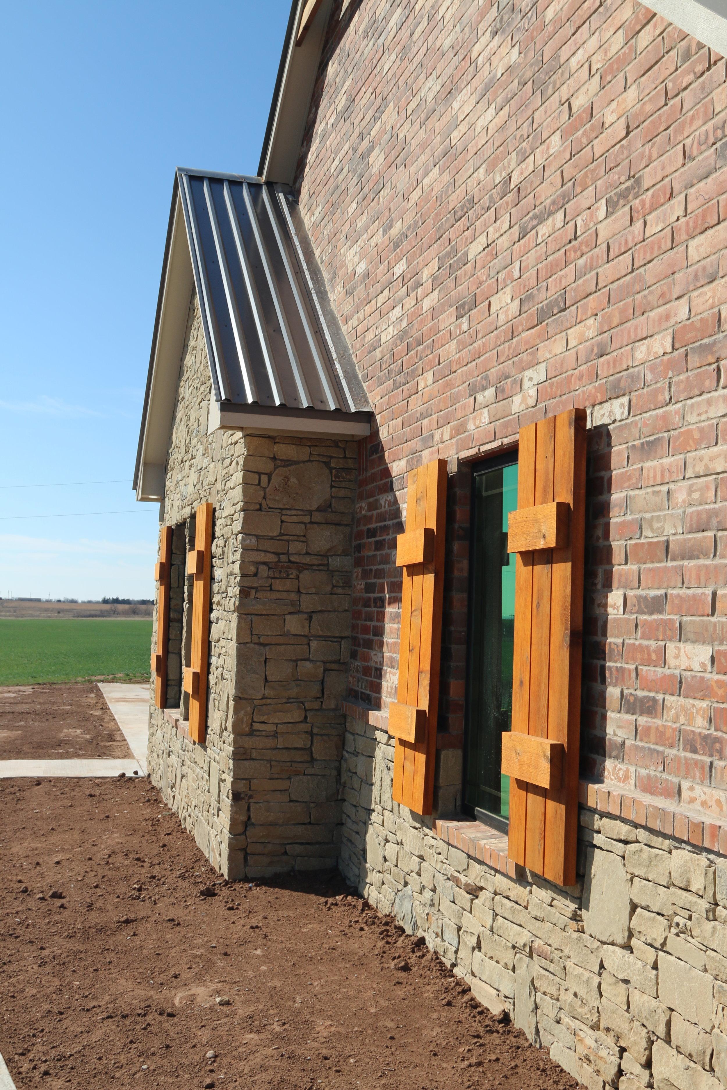 brick house metal roof.JPG