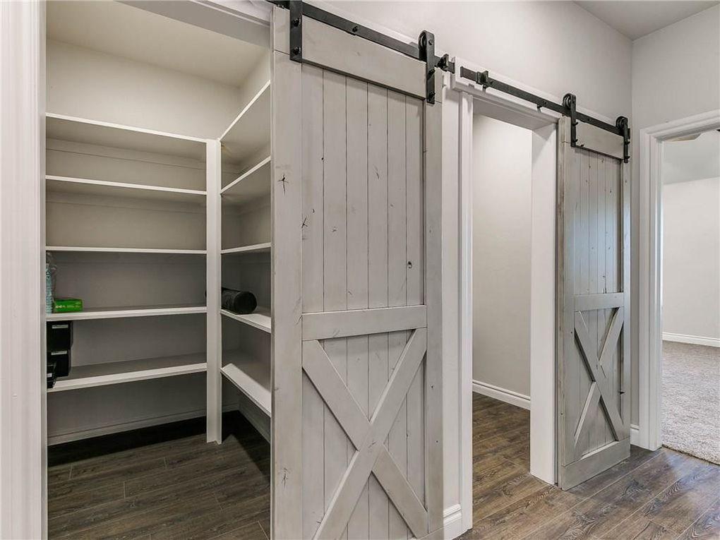 barn doors closet.jpg