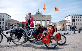 Weehoo+bike+trailer+trailer+bike+and+bicycle+trailer-Berlin.jpg