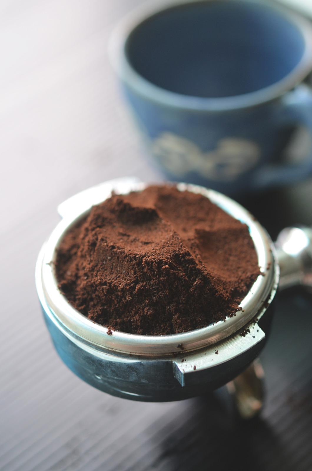 canva-coffee-powder-MADGxzJz-L0.jpg