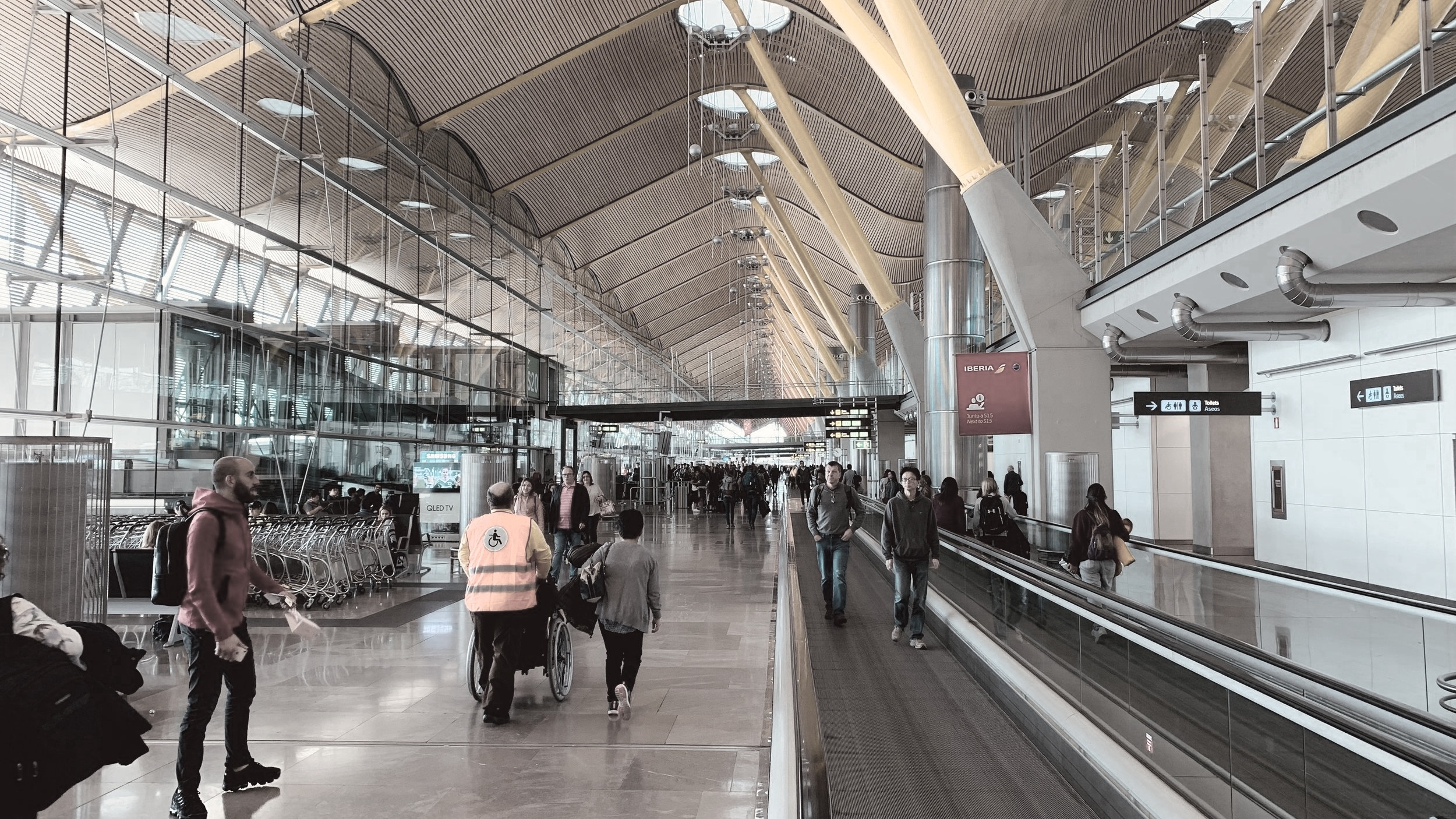 Airports - Conversation-led engagement for today's always connected travellers. Simplify info access & automate inbound enquiries. Engage time-conscious travellers in context-relevant ways on their Channel of choice