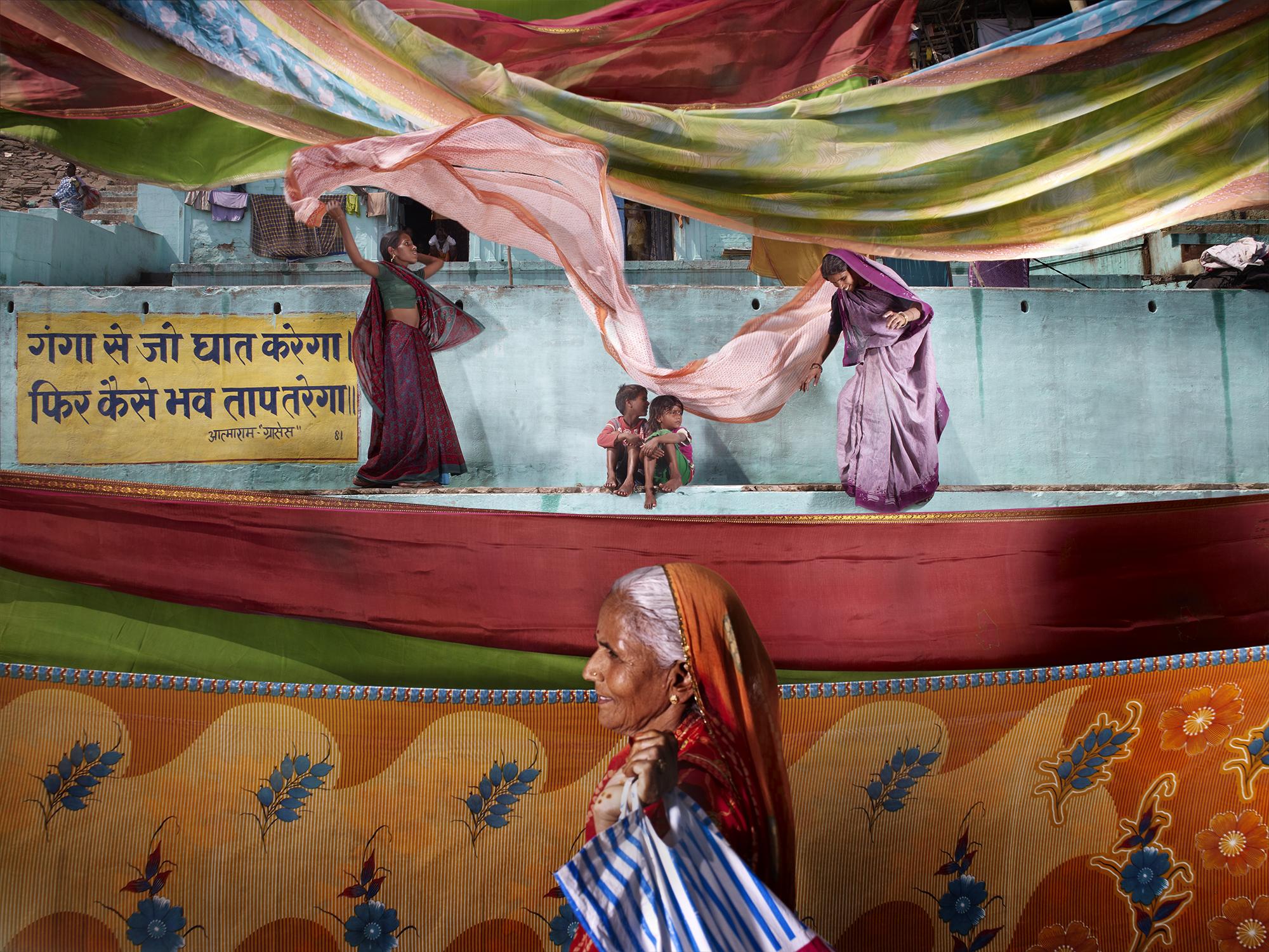NicolasHenry_SarisAuBordDuGange_VaranasiInde.jpg