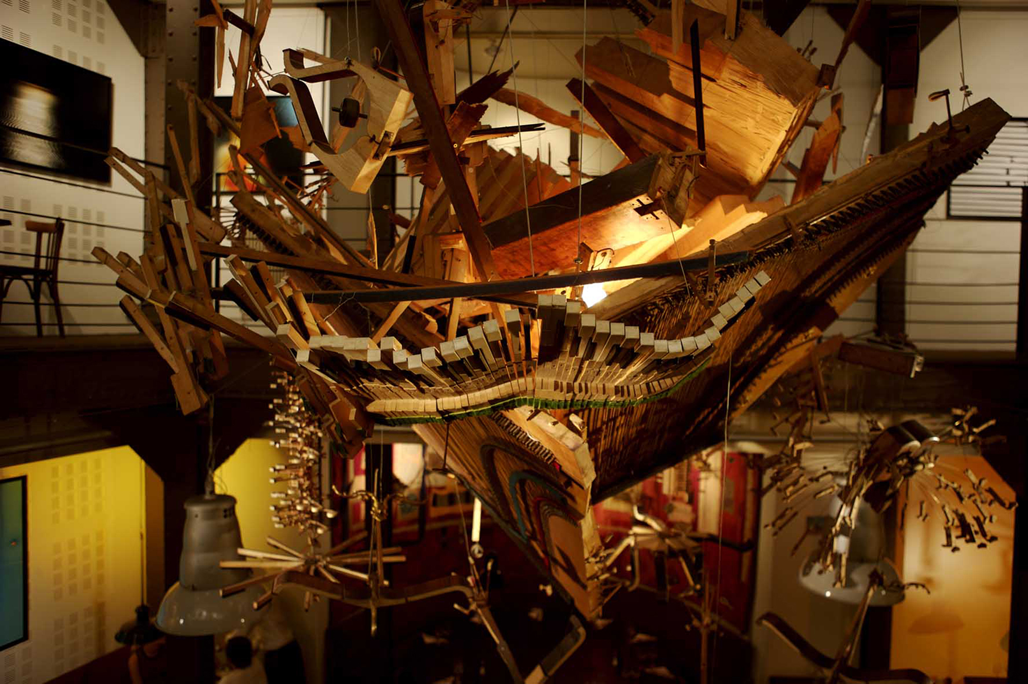 (7)NicolasHenry_ExplosionDePiano2_RestaurantChezGuillaume_Paris.jpg