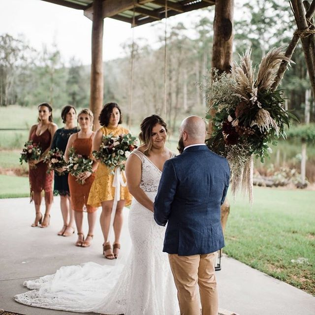 Catching those moments when nothing else matters except the person your planning the rest of you life with ✨  Working with @whimsicalfoxevents