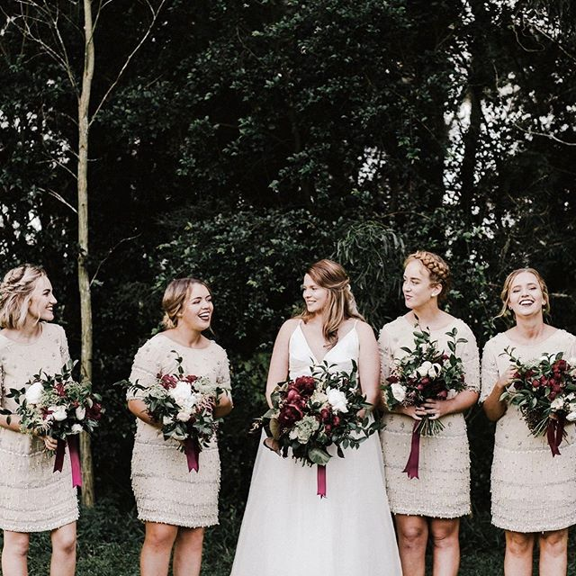 Looking back through past weddings and I can't believe it's been over 2 years! I've grown a new appreciation for these flowers and where I was in my flower journey at that time 🌿 . . . . . . . . . #Florist #floraldesign #wedding #autumnwedding #floralstyling #floraldesigner #florallife #allthingsbotanical #peonies #rose #davidaustinroses #burgundy #autumn