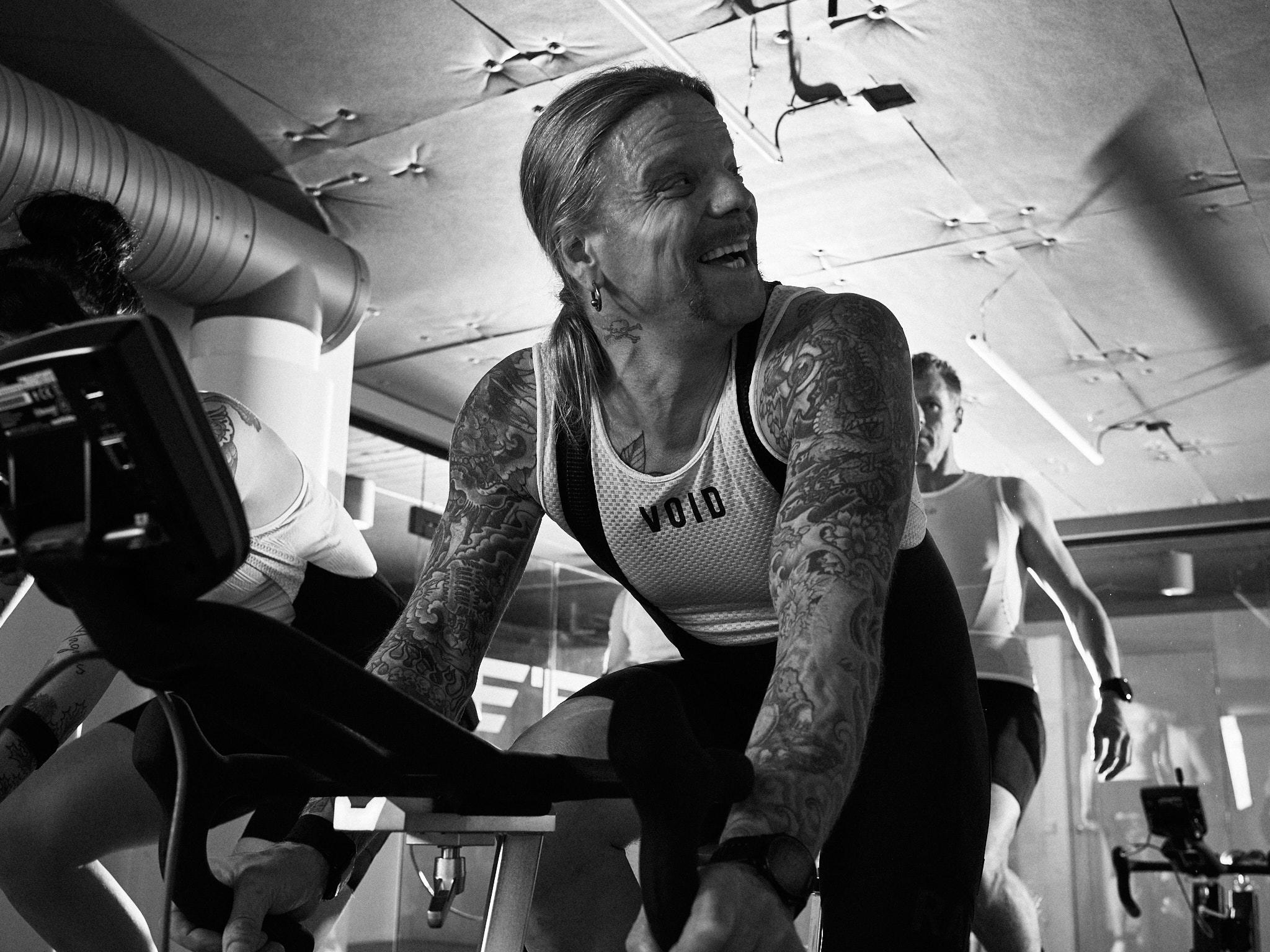 Patrik Åhlen - AKA Putte From Hell. Vår egen hårdrocksälskande triathlet och coach. När han inte coachar en av våra klasser, så cyklar han en klass själv. Cyklar allttid till studion, är springcoach hos Urban Tribes, och tränar oftast inför ett Iron Man.