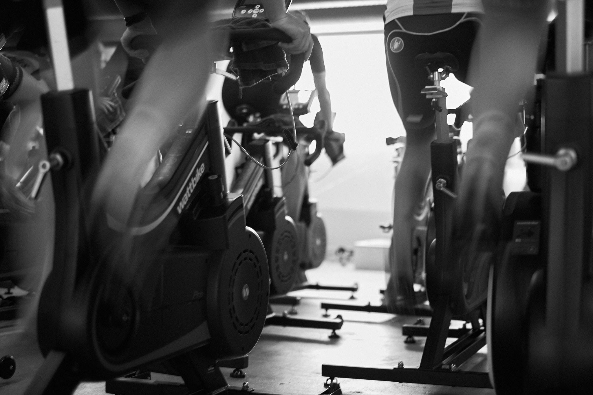 träning som ger påtagliga resultat - Det är mer aktuellt än någonsin för arbetsgivare att se till att personalen mår bra fysiskt och mentalt. Vi på Studio l'Echelon skräddarsyr friskvårdslösningar till företag genom att erbjuda cykelträning individuellt eller i grupp.