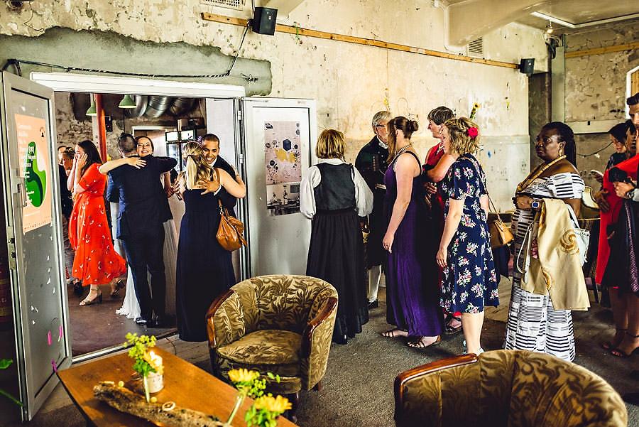 gratulasjoner etter vielsen i stavanger bryllupsfotograf