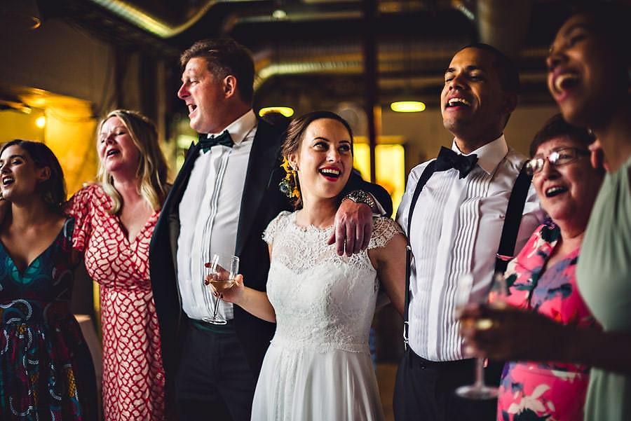 fotograf på dansegulvet i bryllup på tou scene i stavanger