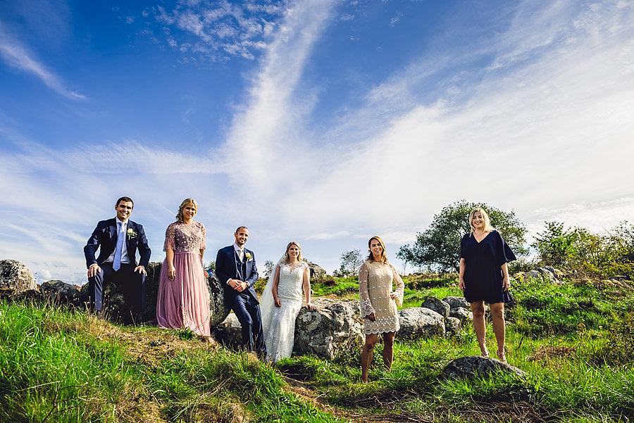 forlovere med brudeparet crew gruppebilde
