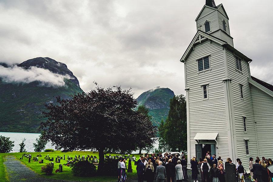 bryllup i oppstryn kyrkje