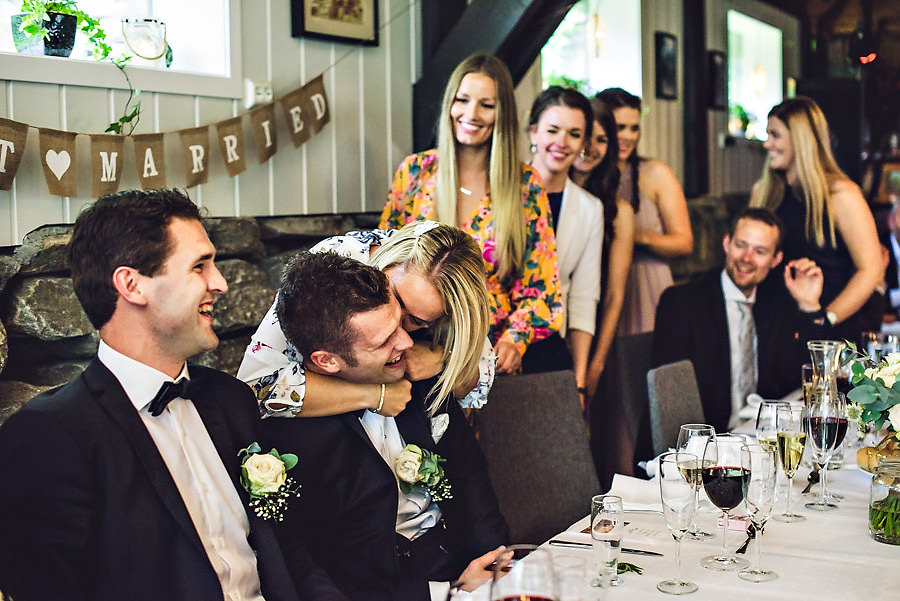 bryllup på yrineset rørt brudgom