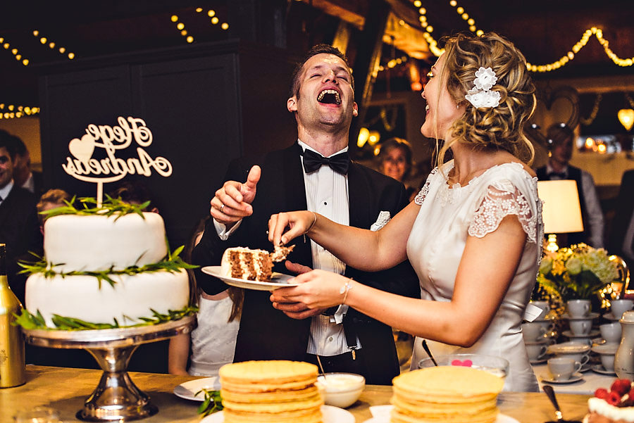 bryllup på yrineset perla ved oldevatnet olden kakeskjæring