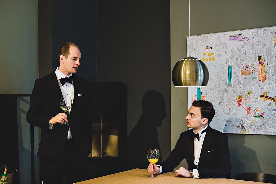 bryllupsfotograf oslo brudgom og forlover